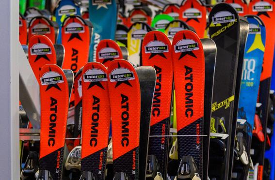 Închirieri Echipamente Ski Snowboard Poiana Brașov